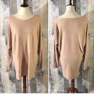 Sweaters - Tan peek a boo sleeves slouchy sweater, size large